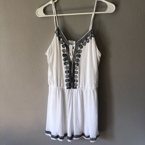 Other - Adorable white and black romper with detail